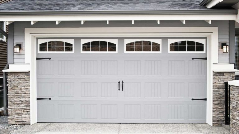 bifold-garage-door